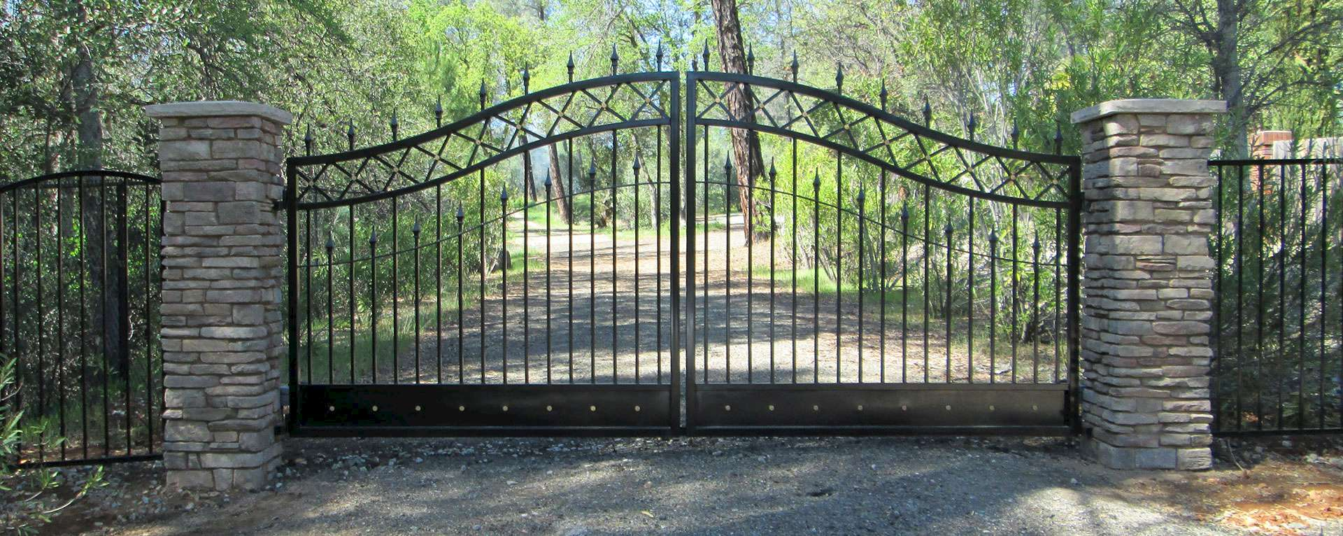 Hand Crafted Gates | Signature Gates & Controls